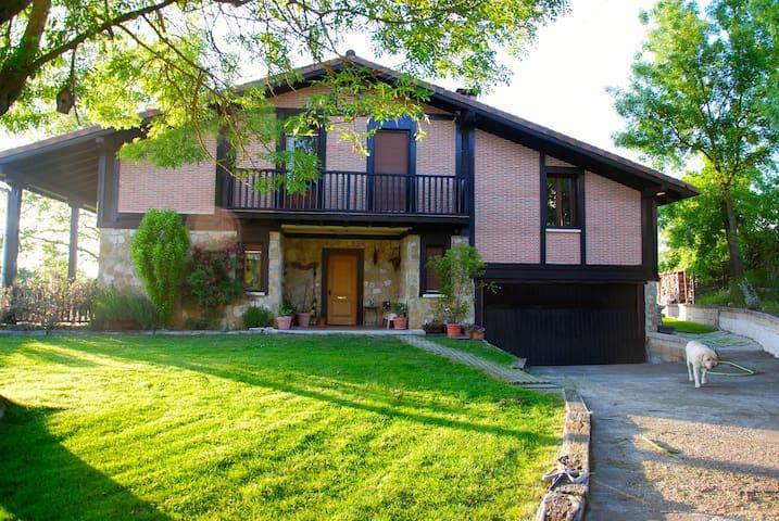 4habitaciones en casa individual - Vitoria-Gasteiz - Casa