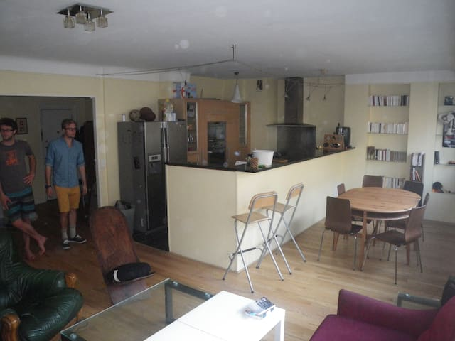 1 room available in a 90m2 flat