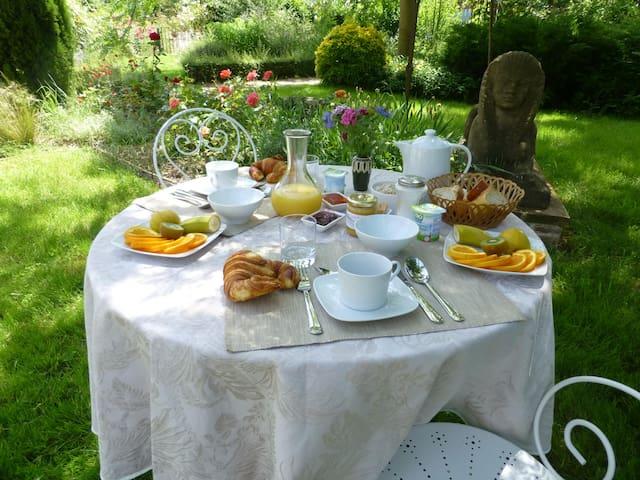 Chambre d'hotes familiale (4 épis) - Saint Sulpice sur Lèze - Bed & Breakfast