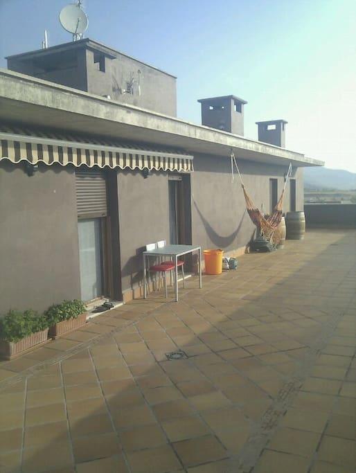 Attic room habitaci n en tico apartments for rent in for Atico en pamplona