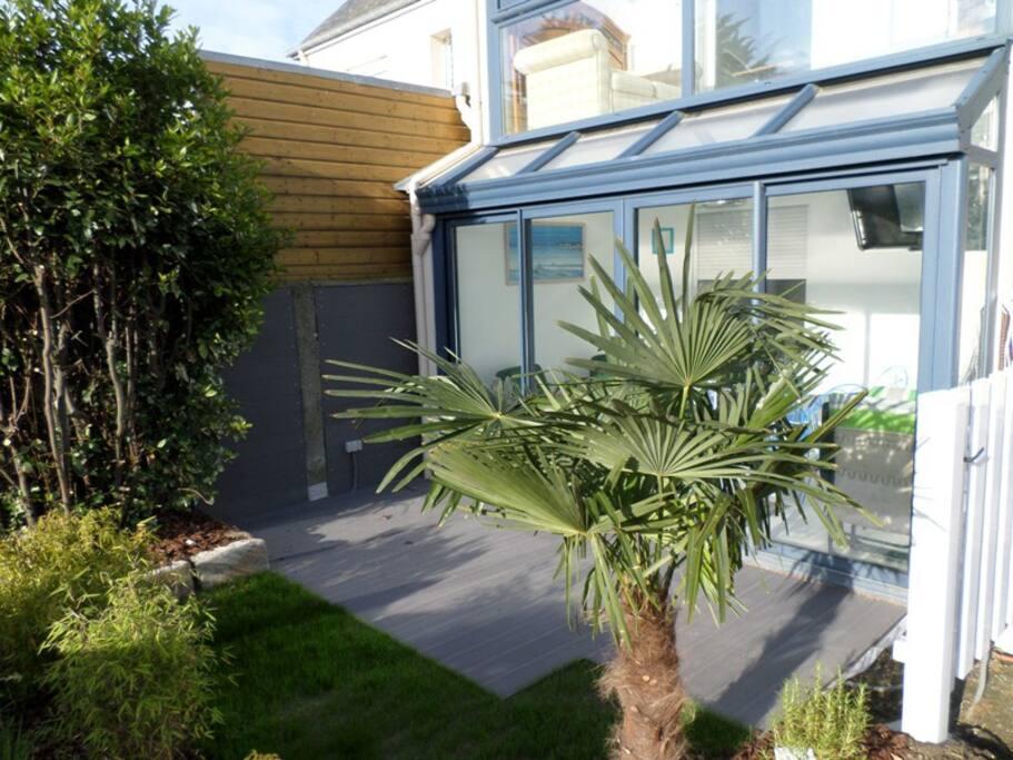 Terrasse et jardinet