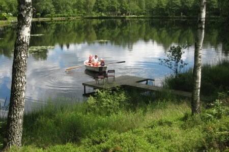 By the lake - lovely summer house - Höör - 独立屋