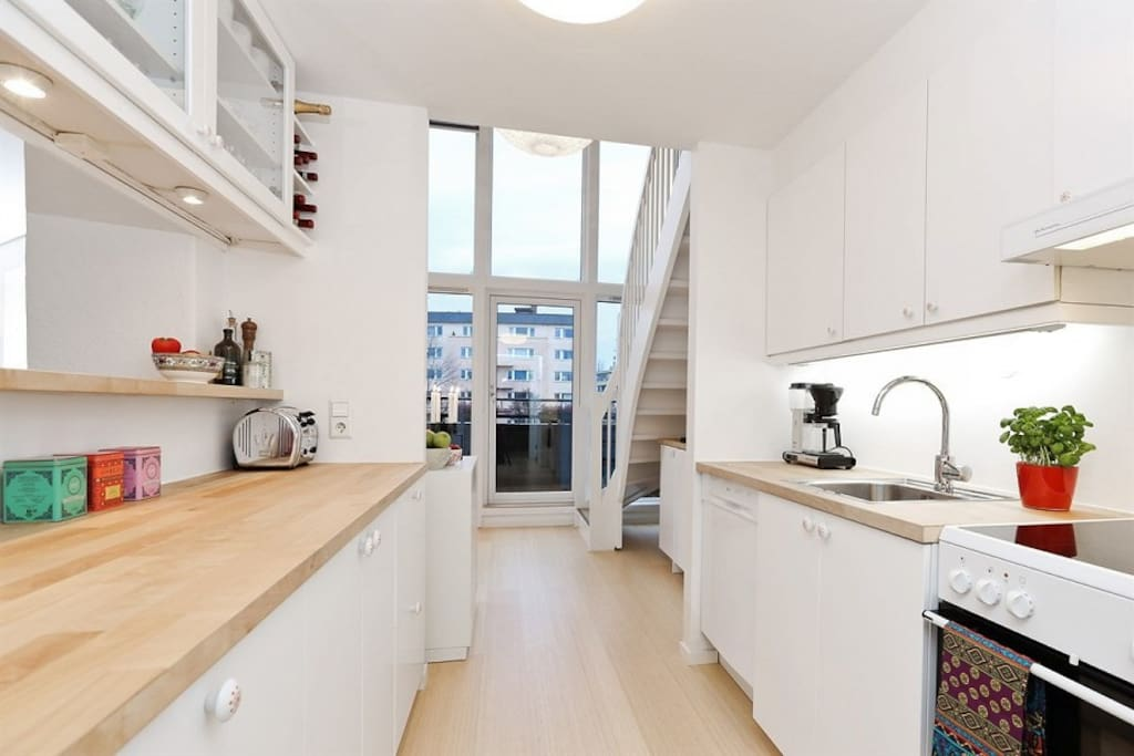 Kitchen with all amenities incl toaster, blender and Nespresso machine
