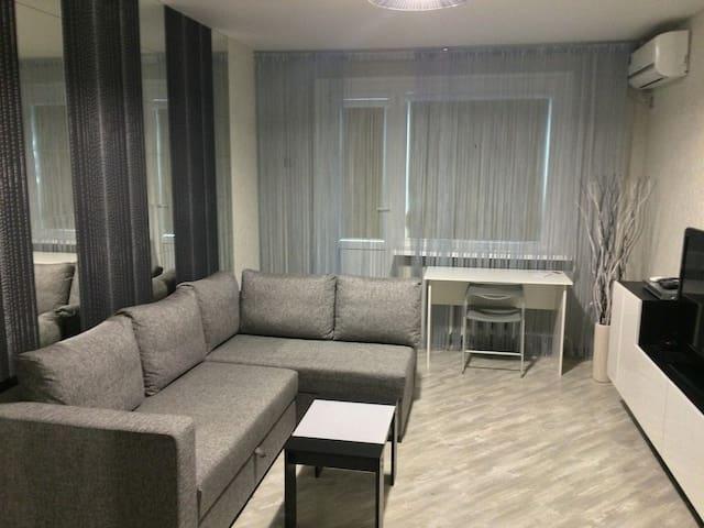 Новая, современная квартира - Rostov - Pis