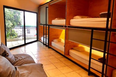Fauna Hostel - 1 bed in Luxury dorm
