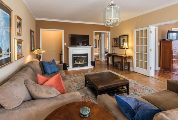 Historic Old World Charm on Cheesman Park - Denver - Apartment