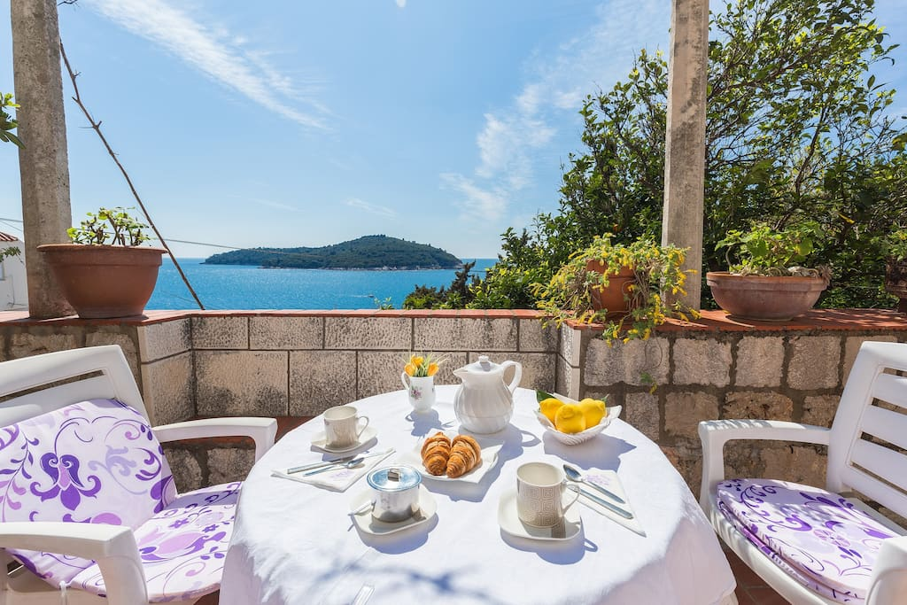 ....and I say....having breakfast on the terrace is something my guests like the most