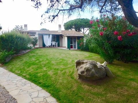 Havutsikt villa på stranden i Porto Giunco