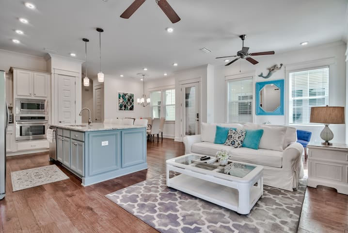 30A Vacation Luxury Townhome of Prominence