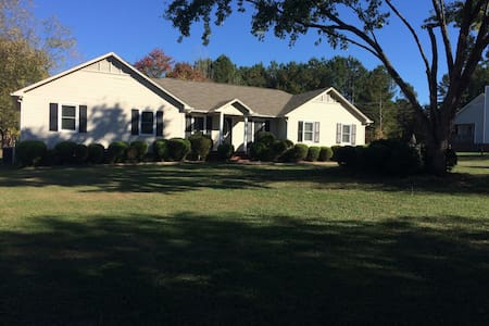 Large room with private bathroom - Rock Hill