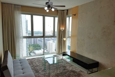 Sunny 1+1 Condo with Amazing view 1min from MRT - Singapore