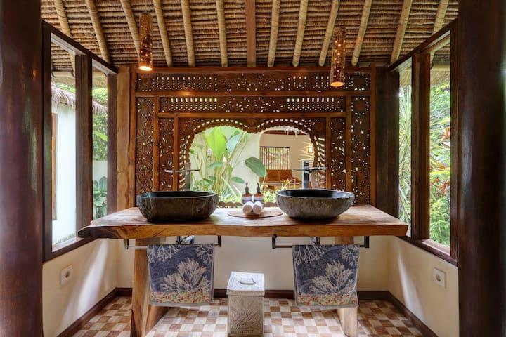 Rumah Kelapa (Coconut House) Villa Sepi.