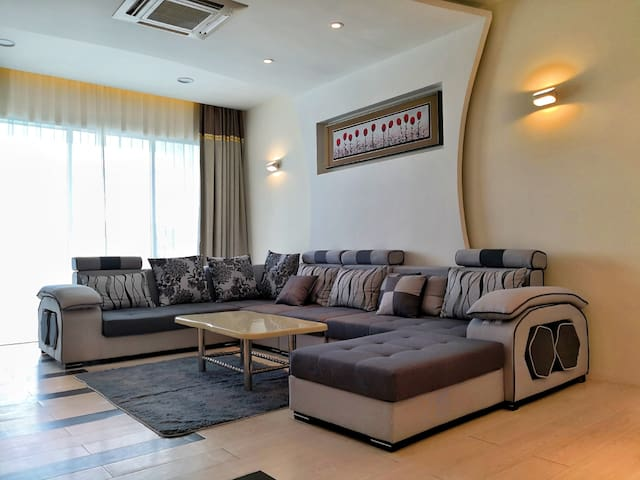 Luxury and Stylish Condominium in Sandakan (6pax)
