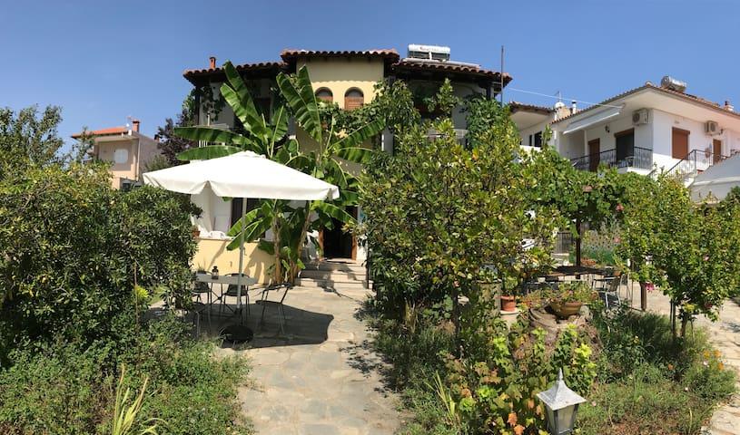 Villa Maro2