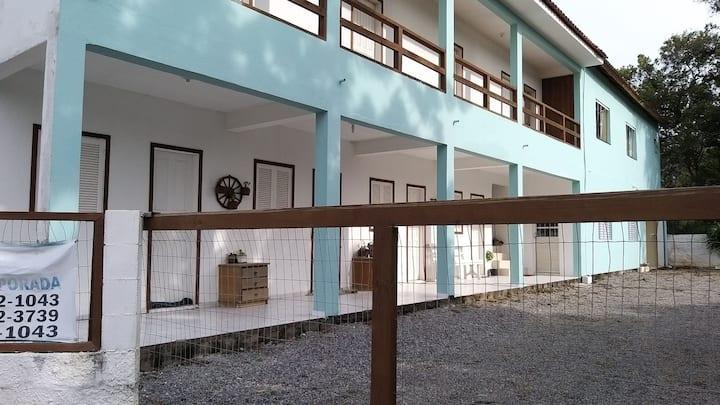 Apartamento nas margens da Lagoa ibiraquera