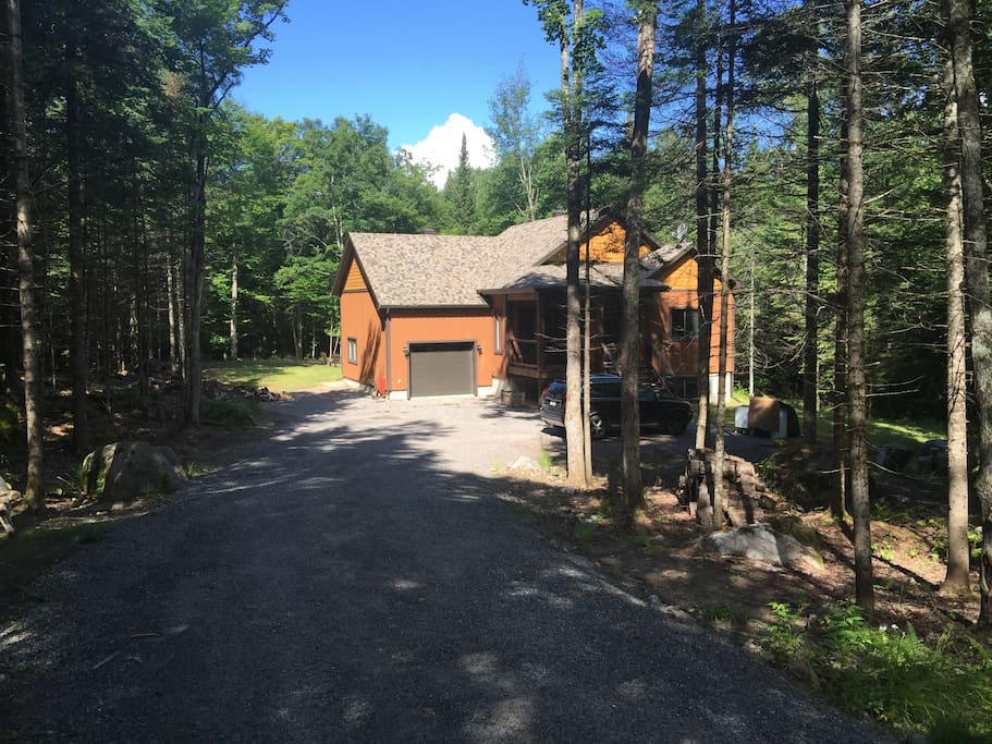 Driveway leading to the cottage