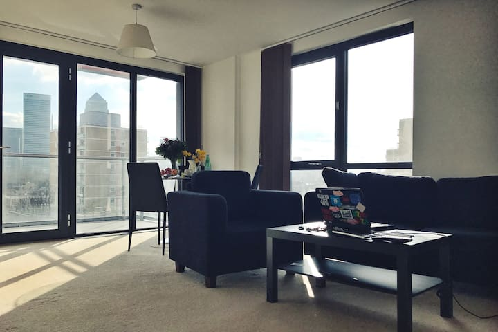 Spacious bright room on 6th floor - Londres