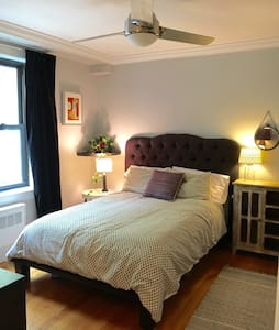 Spacious, Quiet 1 bdrm on the Park - New York