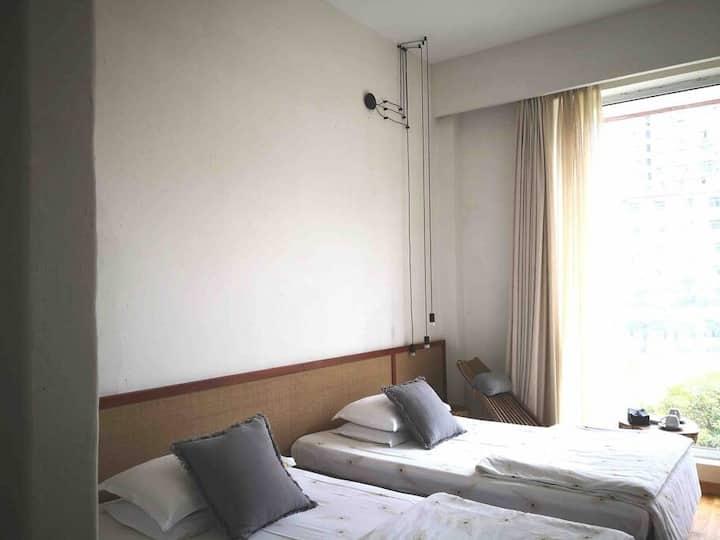 临庭院亲子标准双床房