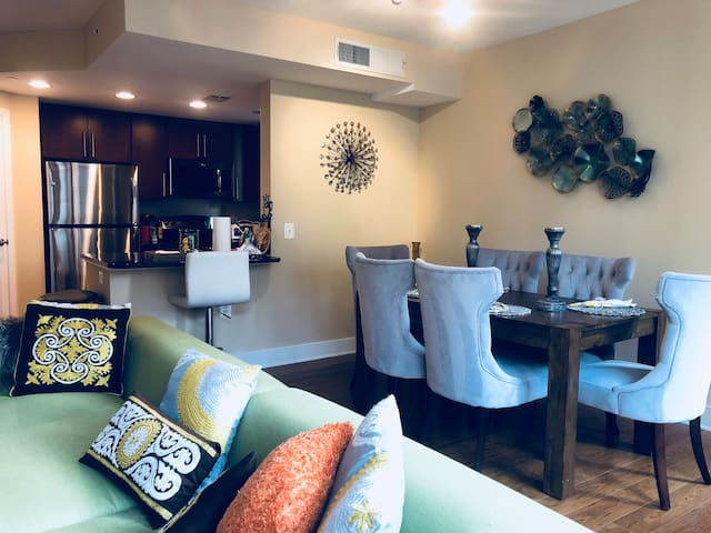 Prime UPSCALE Huge 2BR Condo by Convention Center
