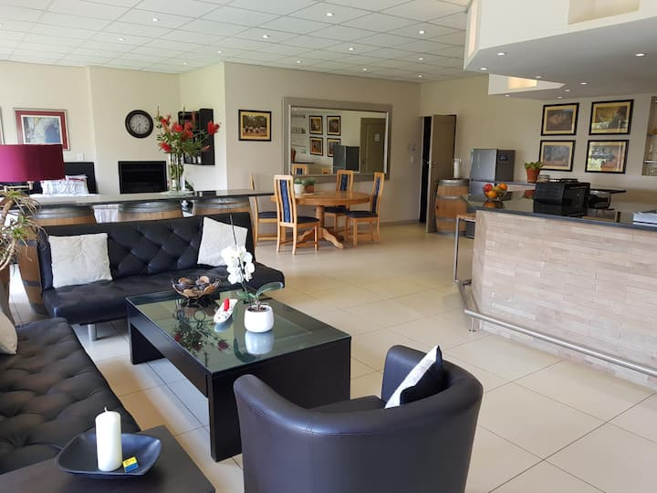 Acacia Lodge Luxury Suite 3