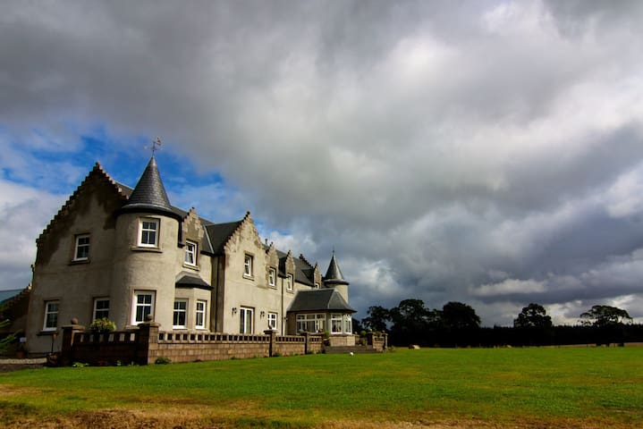 Unique Luxury Country House near Gleneagles