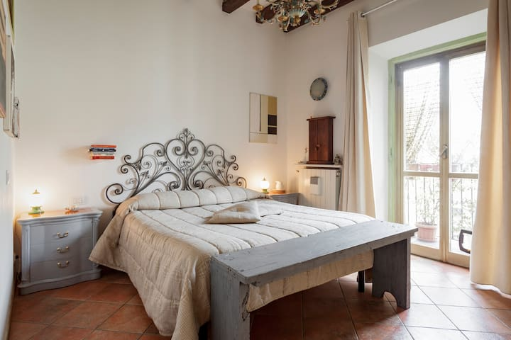 Apartment in the Historical Center, Milan, Corso Genova
