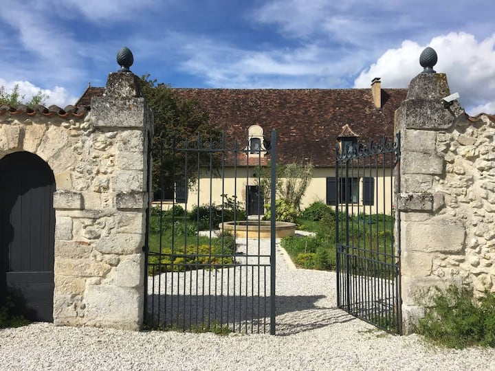 Charming cottage in the Perigord area