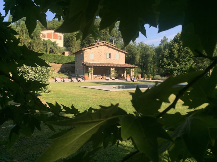 Beautifully restored home close to Lucca
