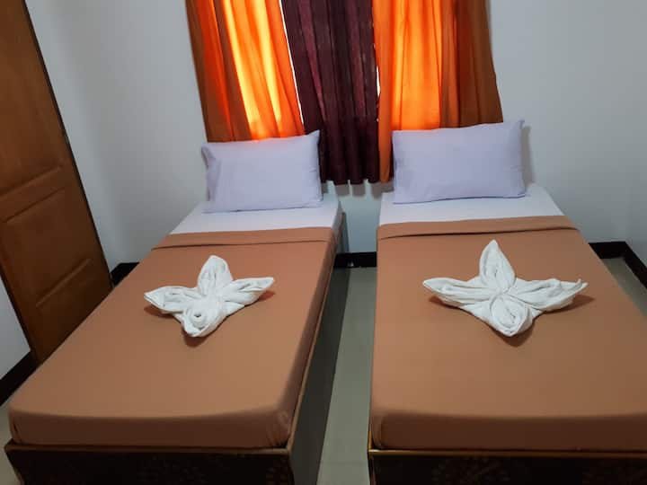 MKB PENSION - Twin Room with Balcony