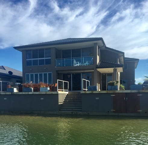 Two Rooms in Yamba on the Waterfront