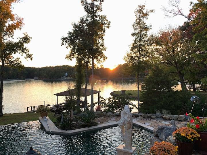 Fabulous, Modern, Lake Side Retreat On Lake Wylie,