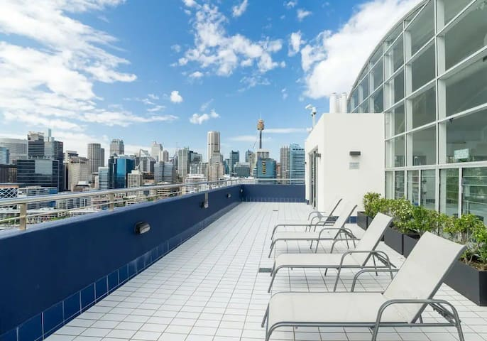 2BR Darling harbour Waterfront Apt(Free parking)