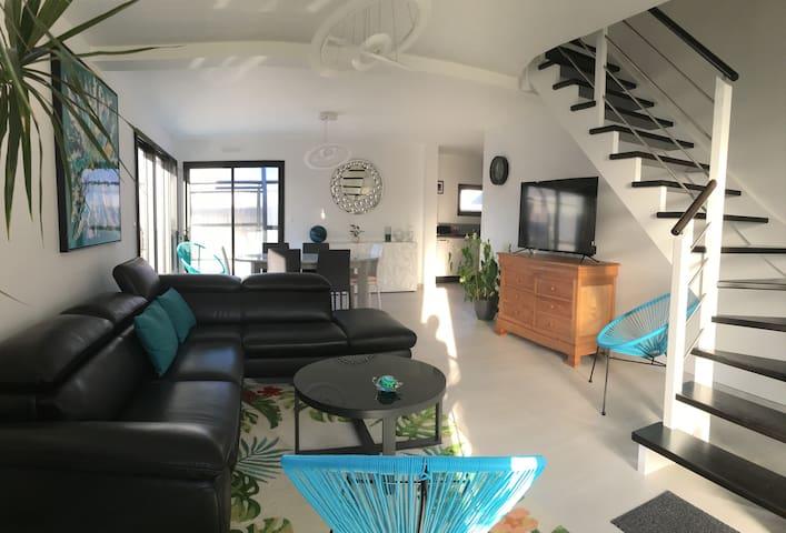 Maison  Piscine couverte chauffée - courts séjours