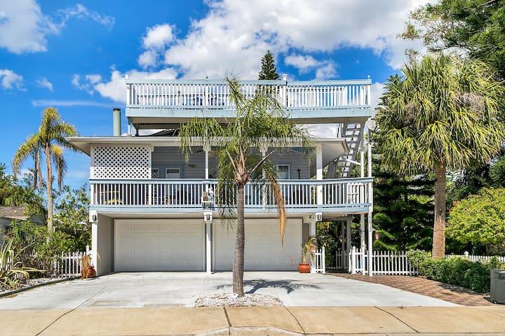 5-Star, Key West-Style Beach House - Redington Beach - Hus
