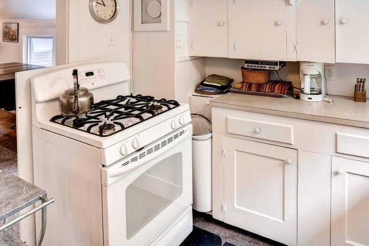 'Brookside Apartment' 1BR Camden Apt - Camden - Lägenhet
