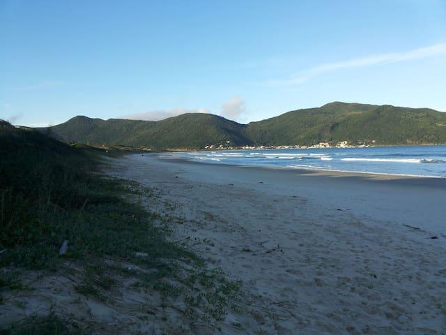 Cobertura a 50 metros da Praia e Vista pro Mar!