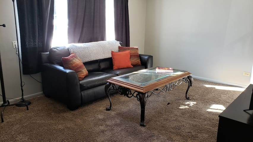 2 Bedroom Private Apartment w/ W&D
