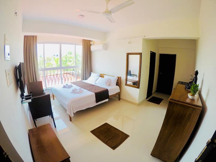 Octopus Luxury Double Bed Apartment