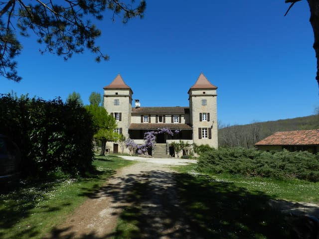 Bed and breakfast with pool - Pontcirq - Bed & Breakfast