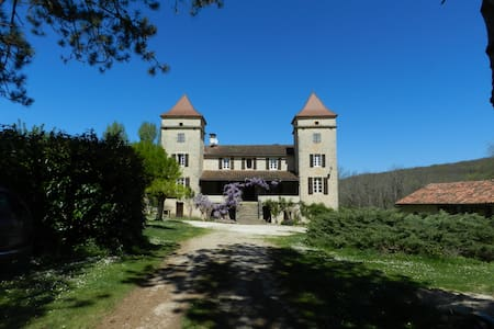 Bed and breakfast with pool - Pontcirq