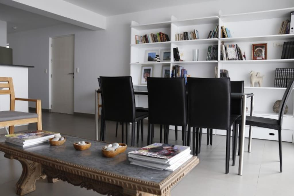 Modern apartment, fully furnished and equipped.