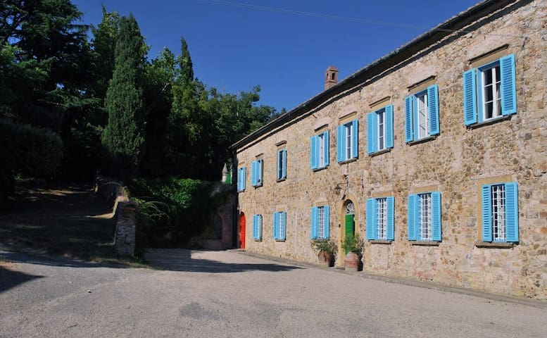 VILLA IN THE HEART OF TUSCANY - Pomarance - Casa de campo