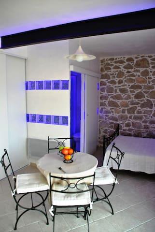 Studio à 15 mn de Nice - Gilette - บ้าน