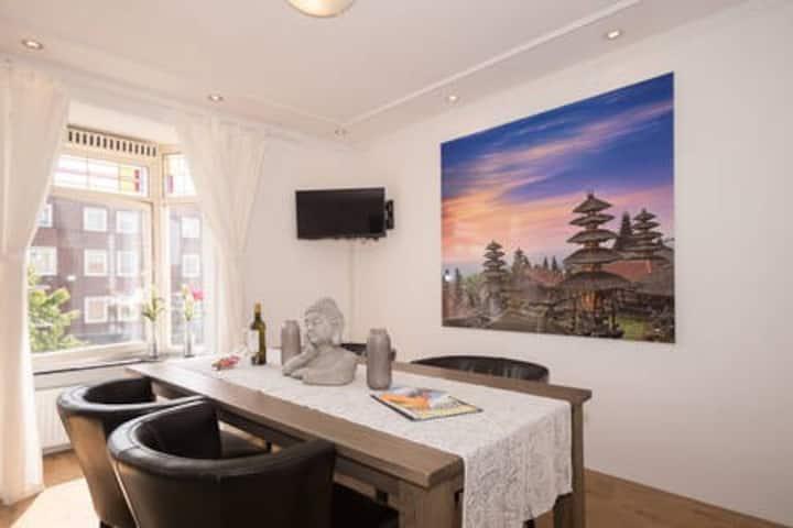 "Original apartment in ""The Brooklyn of Rotterdam"""