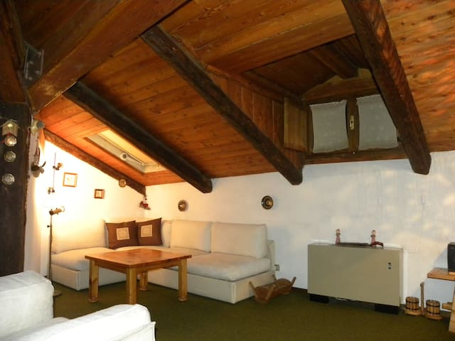 attic flat on pedestrian street - Cesana Torinese - Appartement