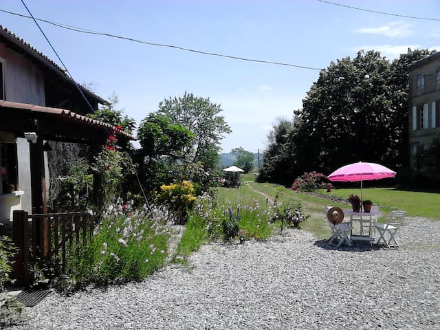 Holiday cottage/ gite near pyrenees - Boulogne-sur-Gesse - Rumah