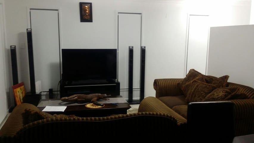 Nice and comfortable - Durack, Queensland, AU - Appartement