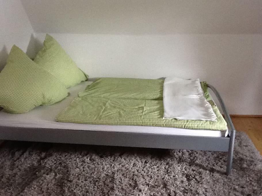 Französisches Bett 140x200 cm
