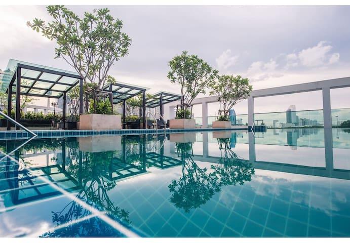 CHARMING STUDIO / 17th FL / FAST WIFI / POOL & GYM - Banguecoque - Condomínio